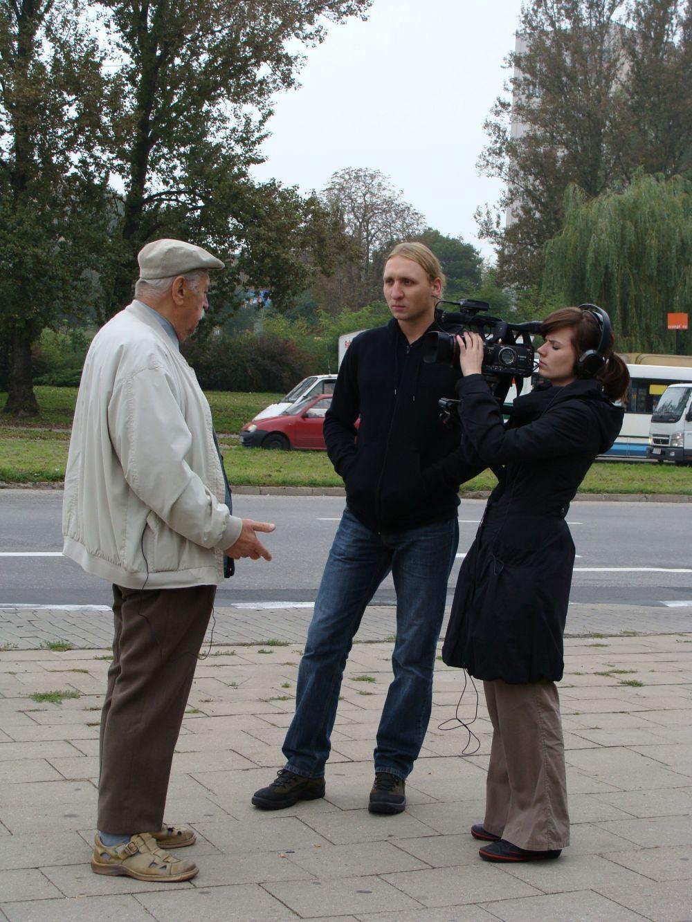 Piotr Lasota i Karolina Kryczka w trakcie nagrania relacji Zdzisława Suwałowskiego.