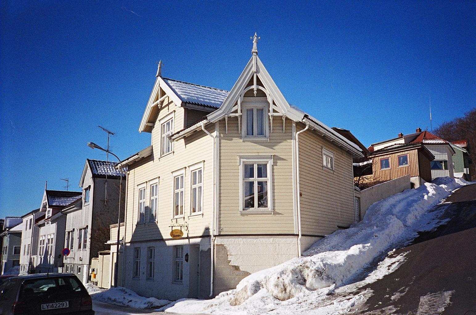 Dom przy ulicy Nedre Bøkeligate 16 w Larvik
