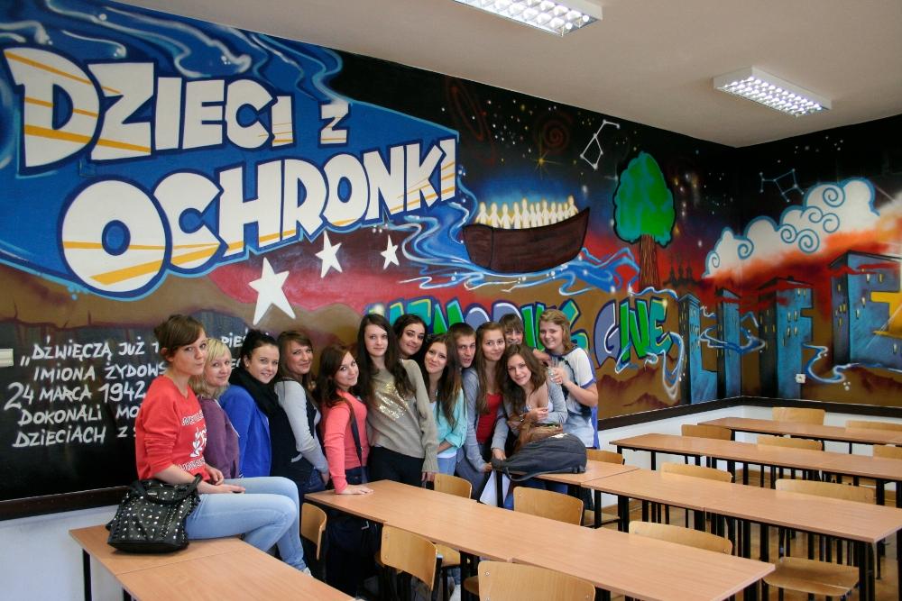 http://biblioteka.teatrnn.pl/dlibra/Content/43246/3bgK.JPG