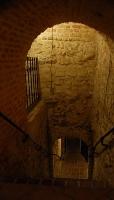 Podziemia - zejście do podziemnych korytarzy
