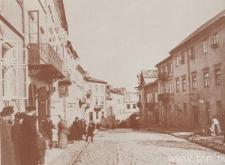 Lublin. Przechodnie na ulicy Grodzkiej na przeł. XIX i XX w.