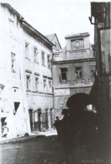 Lublin. Brama Grodzka i sąsiadujące z nią kamienice ul. Grodzkiej w latach 20-tych