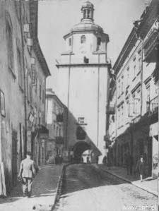 Lublin. Brama Krakowska i ul. Bramowa od strony Starego Miasta