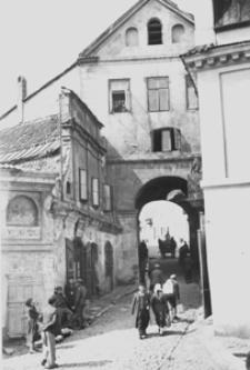 Brama Grodzka - widok od strony Zamku
