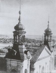 Lublin. Wieże Katedry i widok na dolinę Bystrzycy z Wieży Trynitarskiej