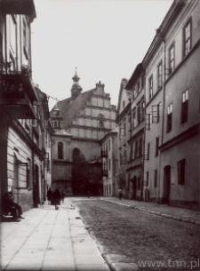 Lublin. Ulica Złota z widokiem na bazylikę oo. Dominikanów