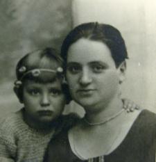 Frieda Hirschberg with dauther Ida Hirschberg