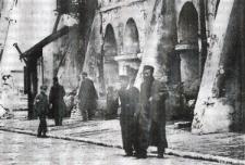 Żydzi na Rynku Wielkim w Zamościu