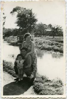 Rodzinna fotografia nad Bystrzycą