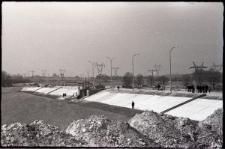 Umocniony brzeg Zalewu Zemborzyckiego