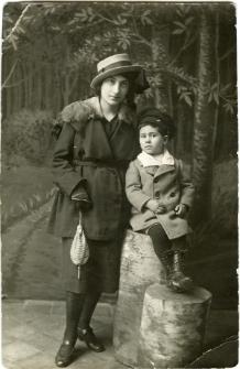 Waks Abram Mojżesz with aunt Hela Waks