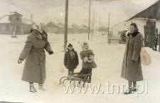 Urszula i Jolanta Mierkiewicz oraz Krystyna i Jolanta Kowalskie w Kocku