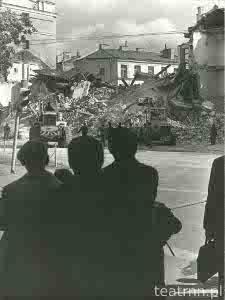 Wyburzanie zawalonej kamienicy przy Poczcie Głównej w Lublinie