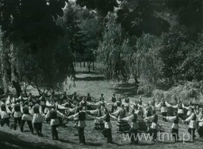 Występ zespołu ludowego w Ogrodzie Saskim