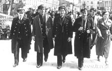Gimnazjaliści na Krakowskim Przedmieściu