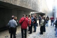 Zwiedzanie byłego obozu zagłady w Bełżcu