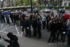 """Młodzież z listami do Henia Żytomirskiego, """"Listy do Henia"""" 2007"""