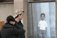 """Reakcje przechodniów - """"Listy do Henia"""" 2007"""