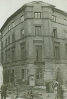 Kamienica przy zbiegu ulic Grodzkiej i Rybnej