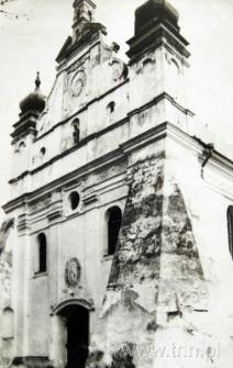 Fasada kościoła parafilanego w Turobinie