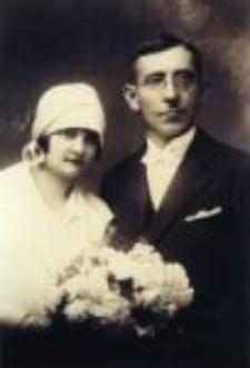 Emilia i Piotr Czechońscy, przechowujący Szlomę Gorzyczańskiego. Zdjęcie ślubne