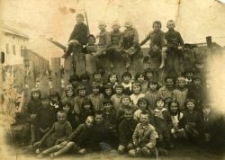 The class of Marianna Jarosz in the Primary School, Piaski, before the war