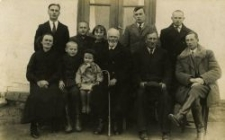 Rodzina Jaroszów. Piaski, kwiecień 1935.