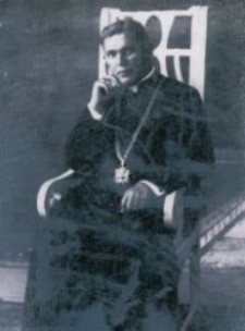 Ksiądz kanonik Piotr Stodulski.