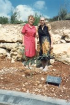 Sister of Zofia Patyra-Szemro by the Tree of Remembrance of the Patyra family, Jerusalem