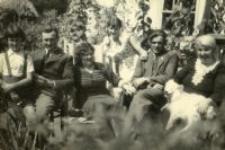 The Stankiewicz family. Głodno forester's lodge, 1938