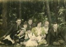 Rodzina Stankiewiczów. Leśniczówka Głodno, 1938