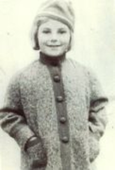 Lidia Hobbs (Damm) in her childhood, the time before the occupation.