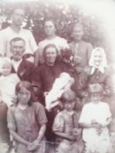 The Mironiuk family (Righteous Among the Nations) with friends