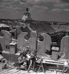Budowa attyki Kamienicy Sobieskich