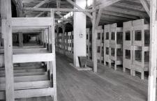 Wnętrze baraków na terenie byłego obozu koncentracyjnego na Majdanku
