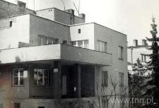 Dom na rogu ulica Głowackiego i Księżycowej