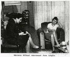 Anna Langfus w swoim mieszkaniu z dziennikarką, Marianne Milhaud
