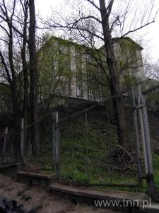 Budynek szkoły przy ulicy Spokojnej