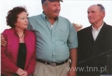 Józef Szajner z uratowanym i jego żoną