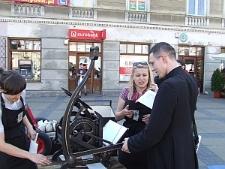 Drukowanie wierszy na ulicach Lublina