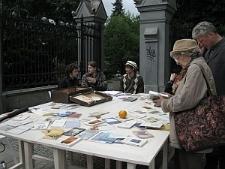 Stół Poezji przy Parku Saskim