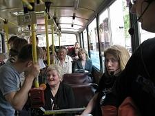 Czytanie poezji w trolejbusie